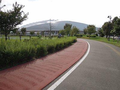 熊谷スポーツ文化公園には全長 ...