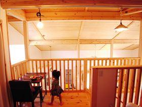森の家 木製玄関ドア 平屋風 木の家 自然素材