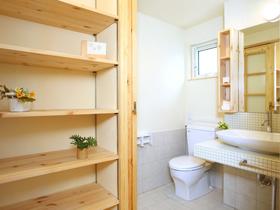 森の家 パッシブハウス トイレ&洗面 収納棚
